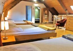 Dortoir avec 5 lits simples de la location + de 15 couchages