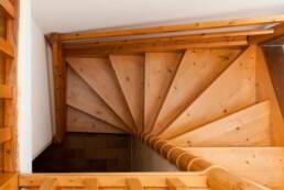 Petit escalier de l'appartement